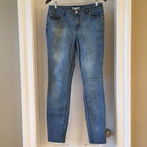 Artisan NY skinny jeans